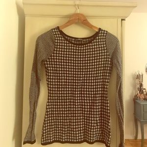 Express Long Sleeve black and white Houndstooth